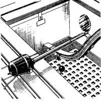 Расположение сервомотора и крепление его штока к румпелю