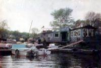 Стоянка лодок в одном из рукавов Русановского залива