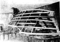 Строится парусный тримаран по проекту «Тритон»