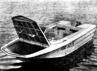 Такой «автомобильный» багажник удобен при погрузке с берега