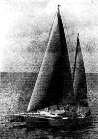 Тримаран «Байда» на воде