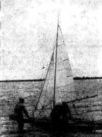 Тримаран конструкции А. Тимофеева и К. Потапова со штормовым вооружением