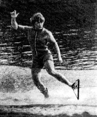Восьмикратная чемпионка и рекордсменка страны в фигурном катании Инесса Потэс