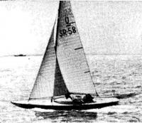 Яхта И. П. Матвеева во время товарищеской встречи с финскими яхтсменами