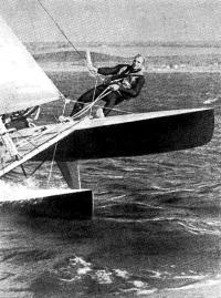 Яхтсмен управляет «Торнадо»