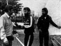 Андрей Балашов обсуждает гонку с братьями Детре (ВНР)