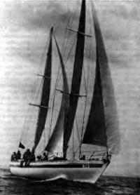 Армоцементный кеч «Искра» — флагман Киевского крейсерского яхт-клуба