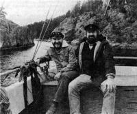 Автор с руководителем водно-моторного клуба в Дробаке Томом Кристиансеном (справа)
