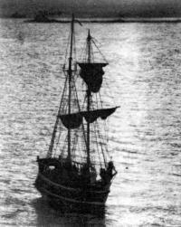 Бригантина «Мечта» на воде