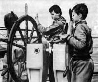Будущие капитаны впервые у штурвала