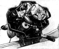 Четырехтактный «Ветерок-18» (вид на двигатель сверху)