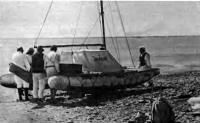 «Дебют» готов к выходу в плавание. Фото на берегу Карышаганского полуострова