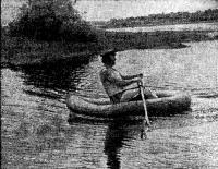 Гребец на надувной лодке