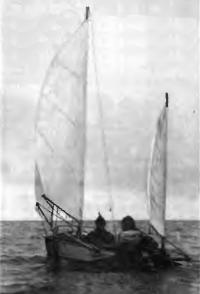 «Казанка-М» под парусами на ходу