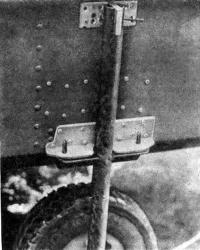 Конструкция крепления колес к корпусу