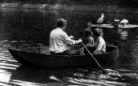 Лодка «Кулик» на воде