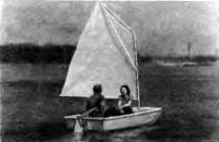 Лодка «Онега-2» под парусом