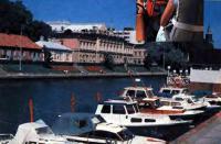 Любой иэ катеров у причала близ отеля «Марина» можно взять на прокат