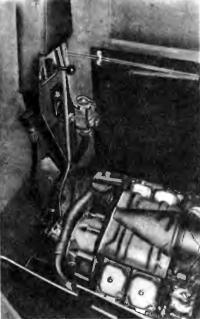 «Машинное отделение» катера с дизелем и узлами гидропривода