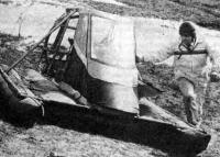 Один из создателей «ЛАВП-87» В. В. Моисеев у своего аппарата