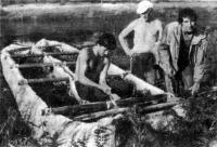 Ответственный момент — затяжка креплений балок, соединяющих лодки в катамаран
