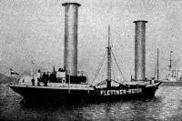 Рис. 9. Ротороход «Баден-Баден», начинающий переход через Атлантический океан