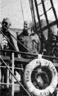Тур Хейердал на борту западногерманского парусника, носящего его имя