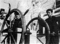 У штурвала «Дружбы» В. Шепель и О. Петровский