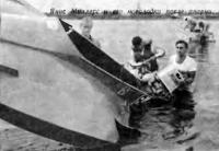 Янис Миллерс и его мотолодка после аварии