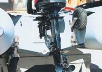 Для доставки надувнушки к воде используются съемные колеса