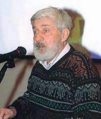 Евгений Гвоздев в домашней обстановке