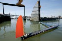 Фото аппарата Sailrocket на воде