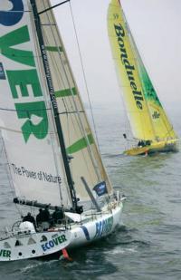 """Фото гоночных яхт """"Ecover"""" и """"Bonduelle"""""""