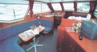 Фото кают-компании яхты «Pedro Solana 38»