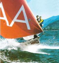 Фото с носа яхты класса 49er