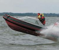 Иногда лодки полностью вылетали из воды
