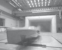 Испытание корпуса яхты в аэродинамической трубе