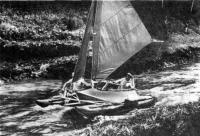 Катамаран «Альбатрос» на речке