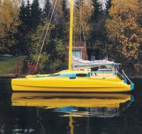 Катамаран Валет 32 на воде