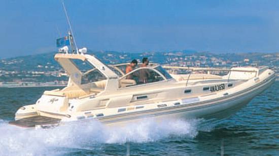Катер «Oceanic 33» компании «Solemar»