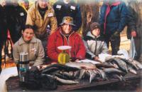 Комиссия оценивает вес рыбы