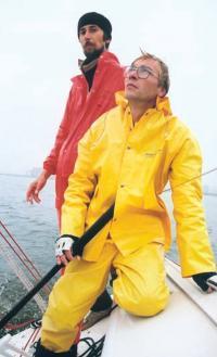 """Конструкторы """"Эльфа"""" М. Матаруев (слева) и А. Косоротов"""
