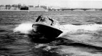Крен мотолодки «Стрингер-510» при повороте
