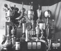 Кубки Санкт-Петербургского Речного яхт-клуба, завоеванные на гонках в честь 50-летия клуба
