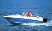 Лодка с мотором «Suzuki DF140» на ходу