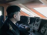 """Место водителя катера """"Буревестник"""""""