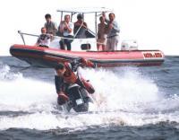 Мотолодка «Кальмар» на воде