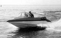 Моторная лодка Альбатрос на ходу