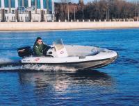 Моторная лодка Бриз на ходу