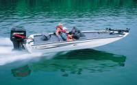 Моторная лодка Тритон на полной скорости